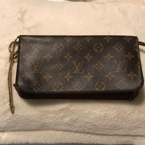 Authentic Louis Vuitton Insolite w Chain Beautiful